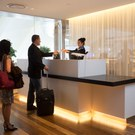 Star Alliance lounge at LAX – front desk