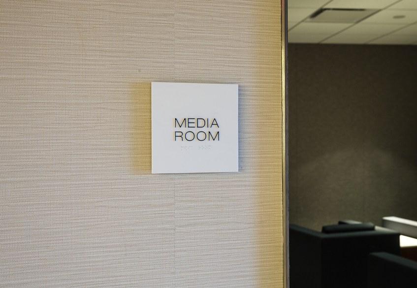 Star Alliance LAX lounge – media room