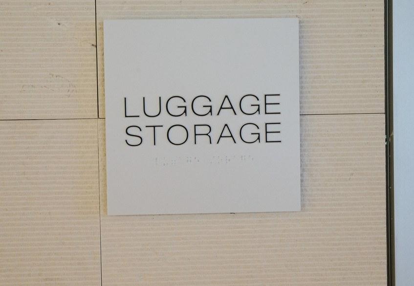 Star Alliance LAX lounge – luggage storage