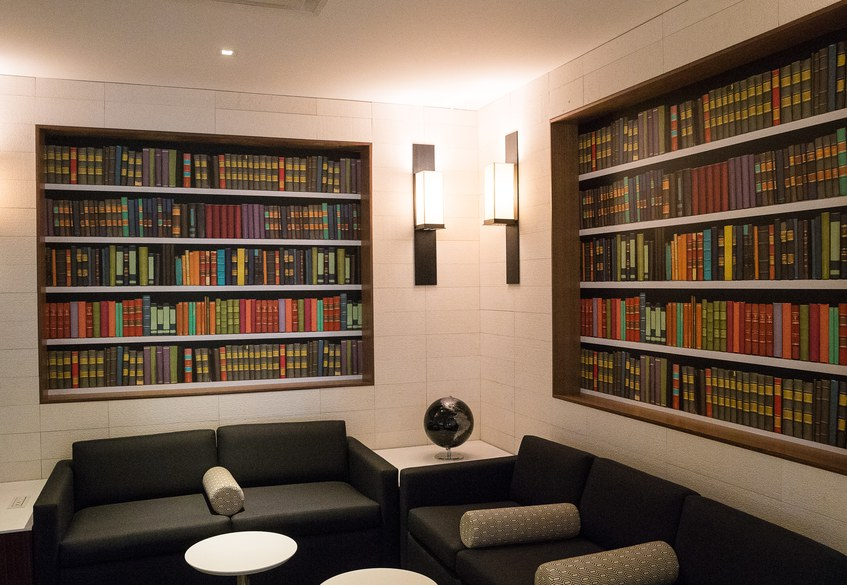 Star Alliance LAX lounge – the library