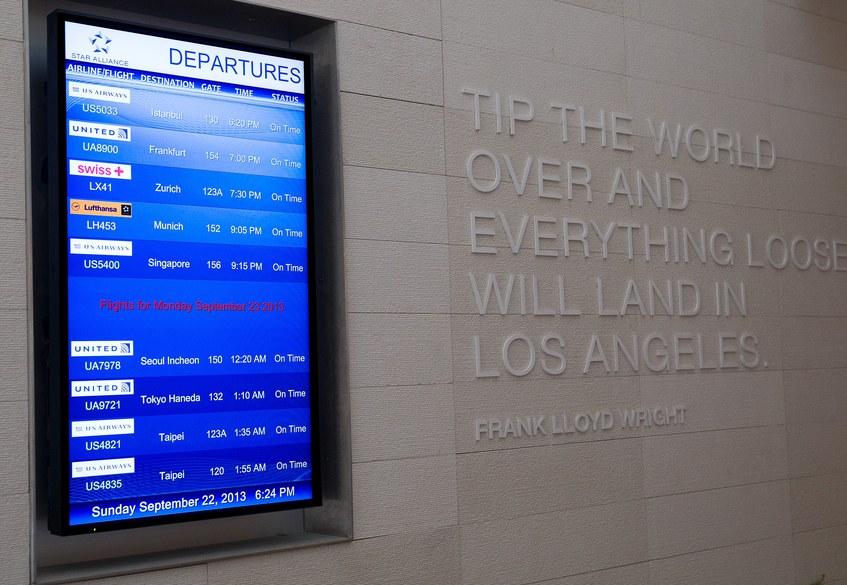 Star Alliance LAX lounge – information board