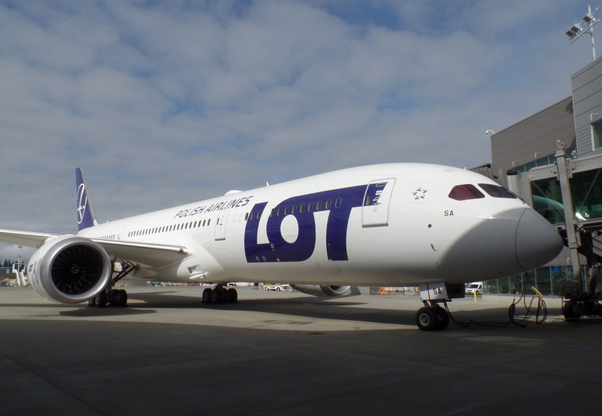 first B787-9 for LO