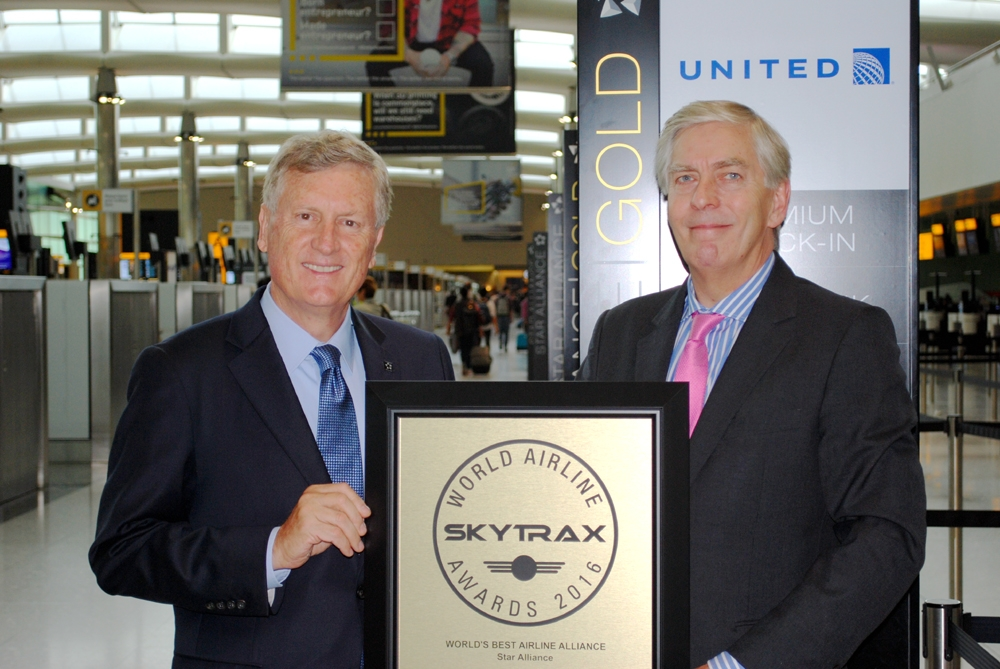 Mark Schwab receives Skytrax Award 2016