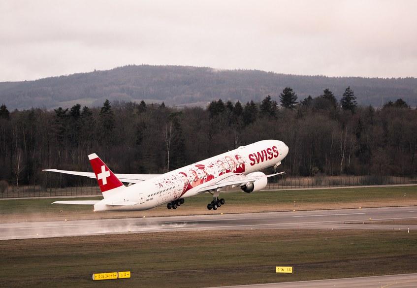 Swiss Boeing 777 employees 2.jpg